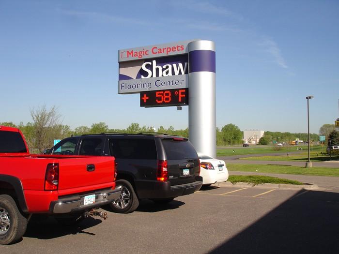 Shaw flooring center   Magic Carpets